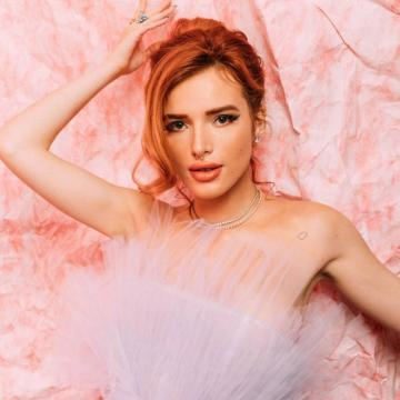 best-naked-pics-of-Bella-Thorne-nude-117
