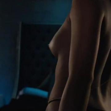 Cassie topless photos leak just before album debuts