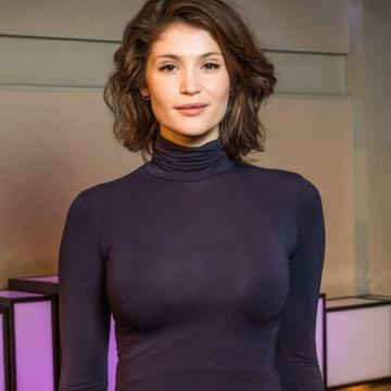 Gemma-Arterton-hand-picked-nude-photos-photo-17