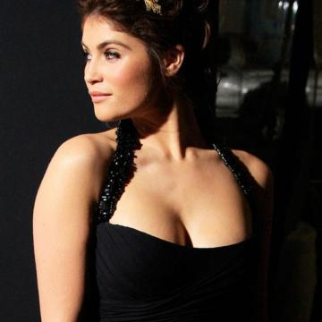 Gemma-Arterton-hand-picked-nude-photos-photo-21