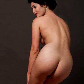 Gemma-Arterton-hand-picked-nude-photos-photo-25