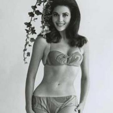 linda-harrison-topless-photo-2