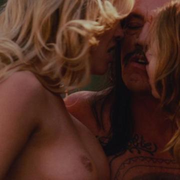 Lindsay lohan naked pussy