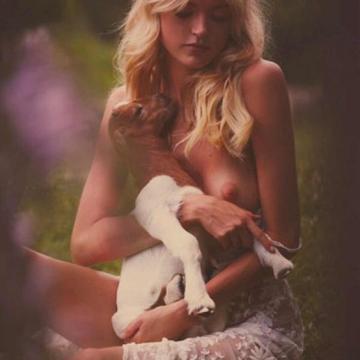martha hunt nude