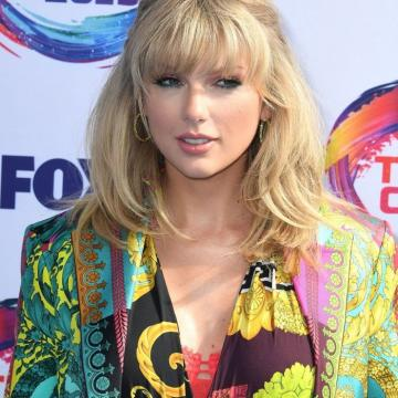 Taylor Swift awesome nudity exposed here   Celebrity Galls