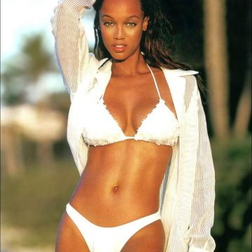 Tyra-Banks-nude-Finest-Naked-Pictures-photo-0750