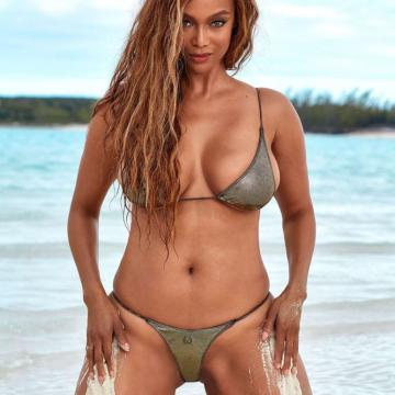 Tyra-Banks-nude-Finest-Naked-Pictures-photo-0788