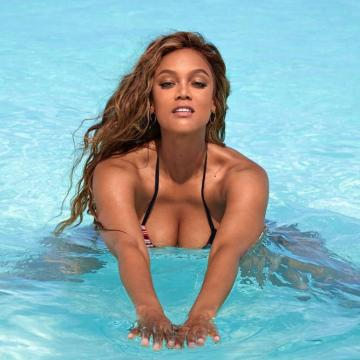 Tyra-Banks-nude-Finest-Naked-Pictures-photo-2419