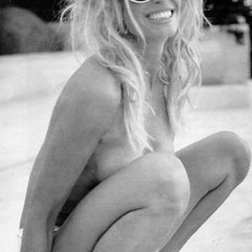 Farrah Fawcett Nude, Topless Pictures, Playboy Photos, Sex Scene Uncensored