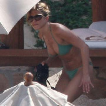 Jennifer-Aniston-nude-photos-205
