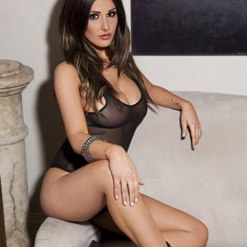 Lucy-Pinder-huge-naked-collection-109