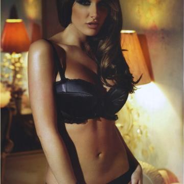 Lucy-Pinder-huge-naked-collection-952