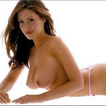Natasha Mealey  nackt